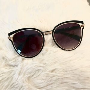 Accessories - Retro cat eye sunglasses